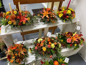 Florist Designed Thanksgiving Centerpiece From Rogue River Florist, Grant's Pass Flower Delivery