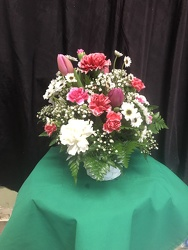 RRF Pink and White Basket From Rogue River Florist, Grant's Pass Flower Delivery