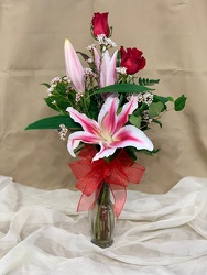 Stargazer & Red Rose Vase From Rogue River Florist, Grant's Pass Flower Delivery