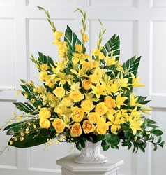Golden Memories Arrangement From Rogue River Florist, Grant's Pass Flower Delivery